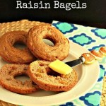 Paleo Plain or Cinnamon Raisin Bagels. Grain free and low carb version / beautyandthefoodie.com