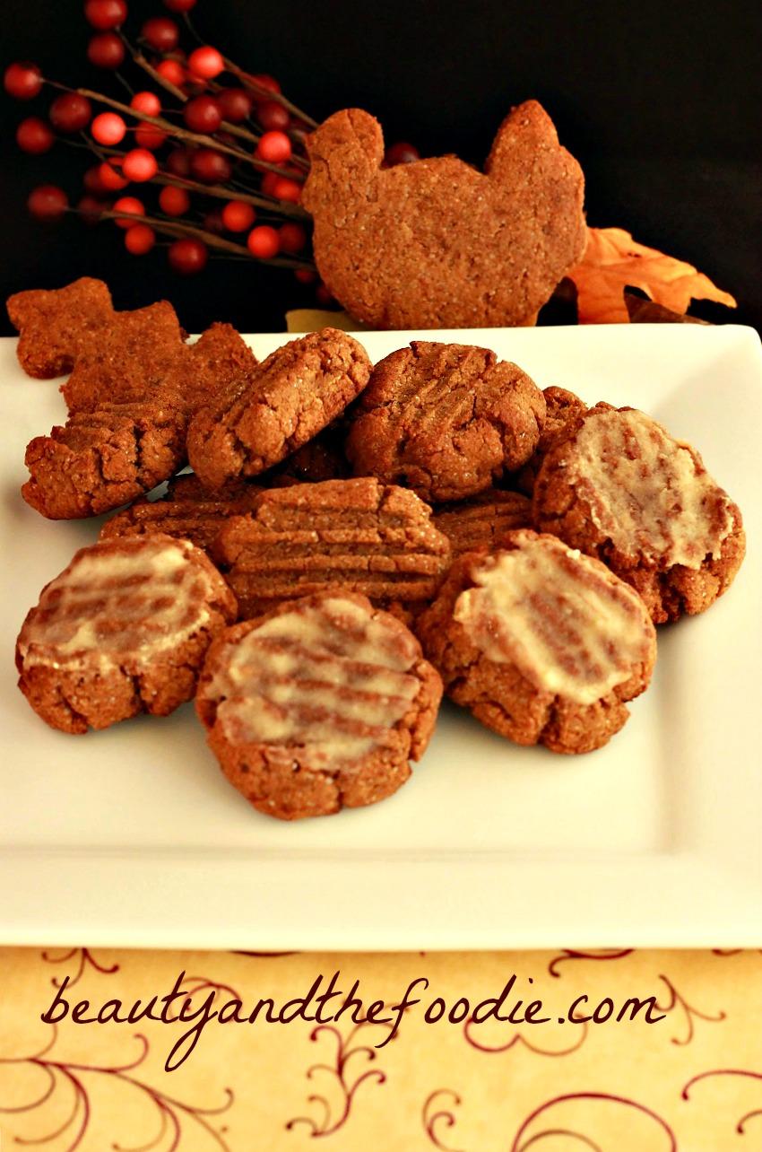 Paleo Iced Gingerbread Cookies/ beautyandthefoodie.com