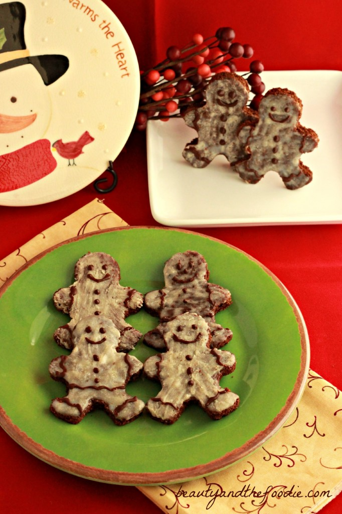 Paleo Chocolate Gingerbread Men / beautyandthefoodie.com