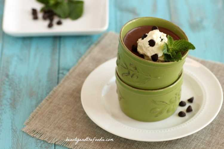 Paleo Chocolate Mint Pudding. grain free and low carb with dairy free option. beautyandthefoodie.com