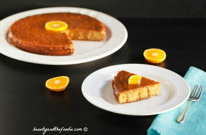 Paleo Orange Poke Cake, grain free with low carb version #paleoorangecake #lowcarbcitruscake