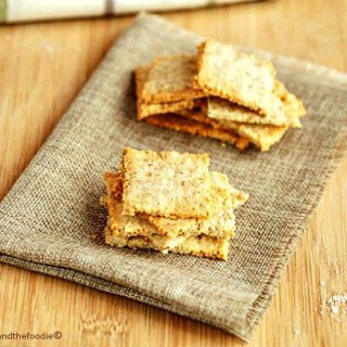 Sesame Cheese Crackers Low Carb